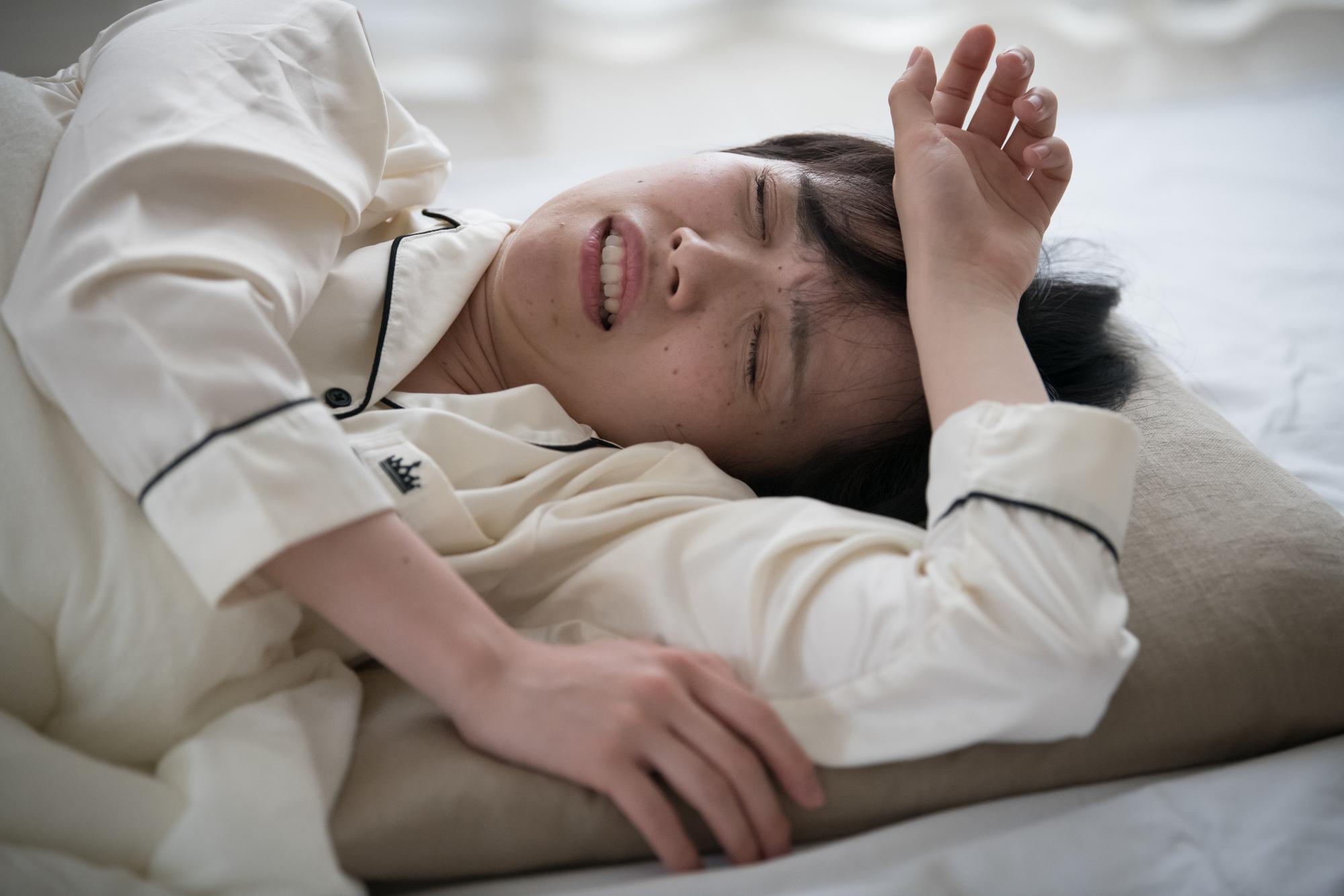 汗でパジャマがぐっしょり…! ひどい「寝汗」の原因と対策