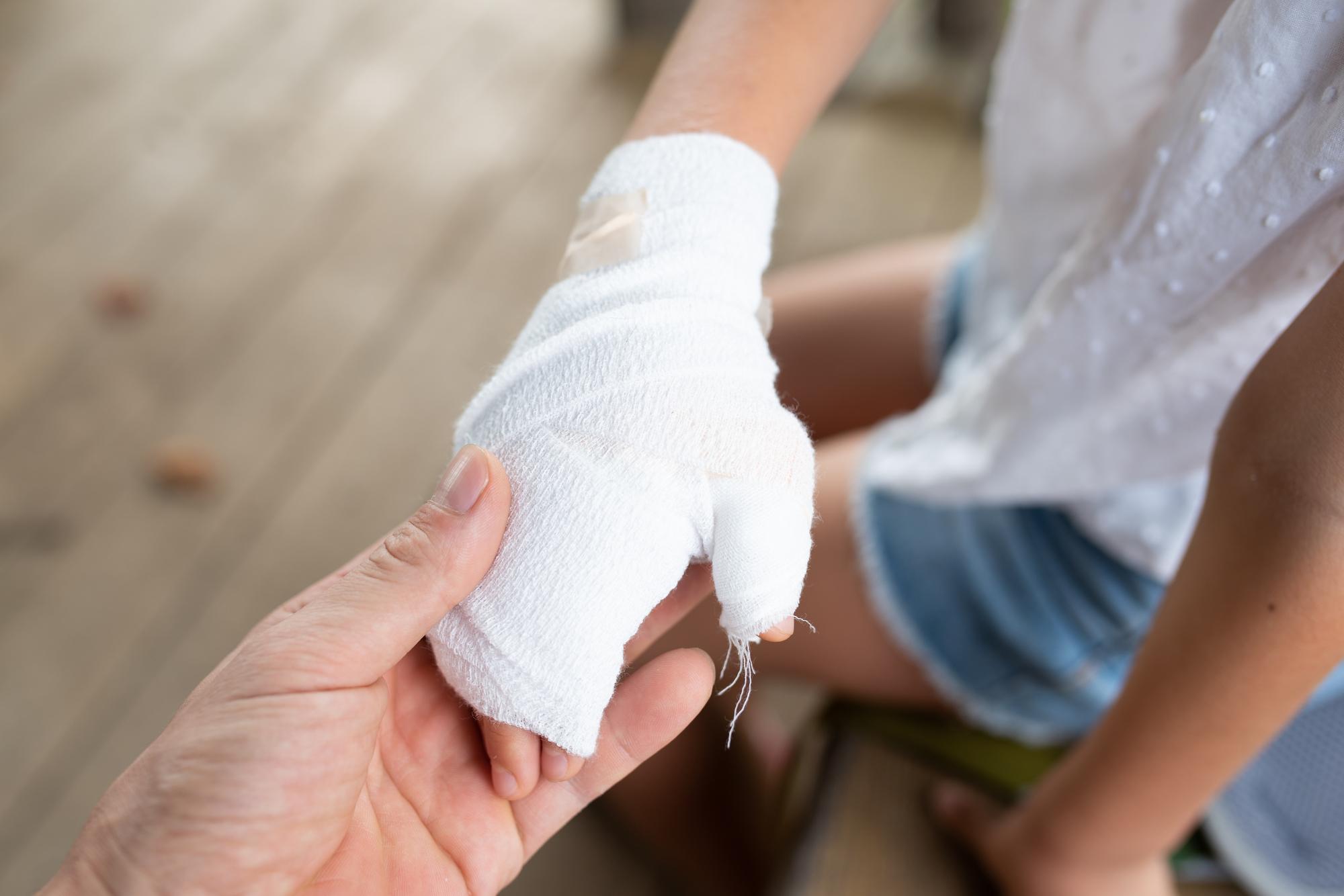 暖房器具や低温やけどに要注意! 冬場のやけどから子供を守るための対策
